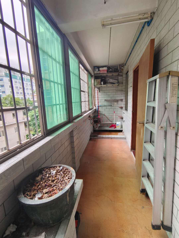 永福楼3室2厅1卫仅420万元