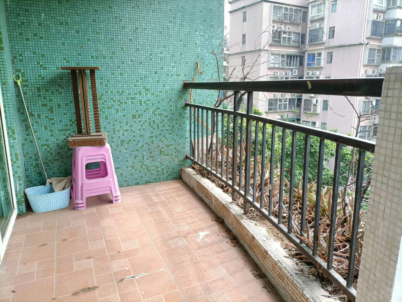 白云高尔夫花园3室2厅1卫