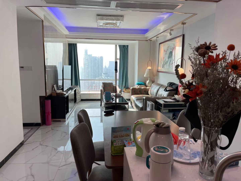 东湖御苑3室2厅2卫东朝向仅868万元