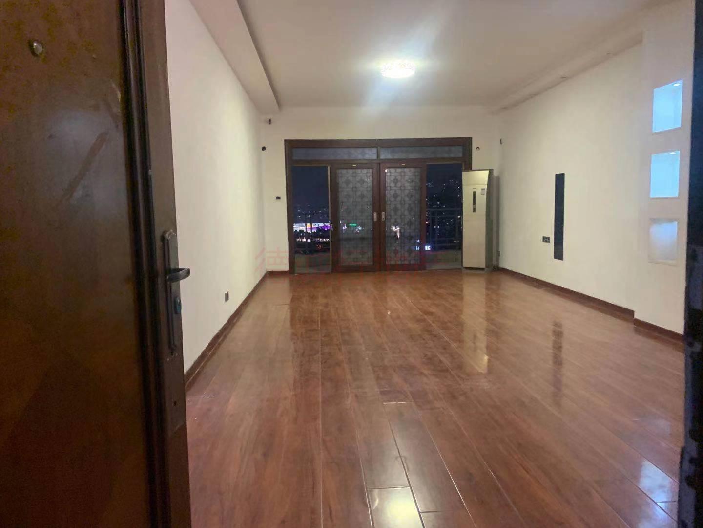 珠江帝景华苑5室2厅4卫东朝向仅2000万元 复式