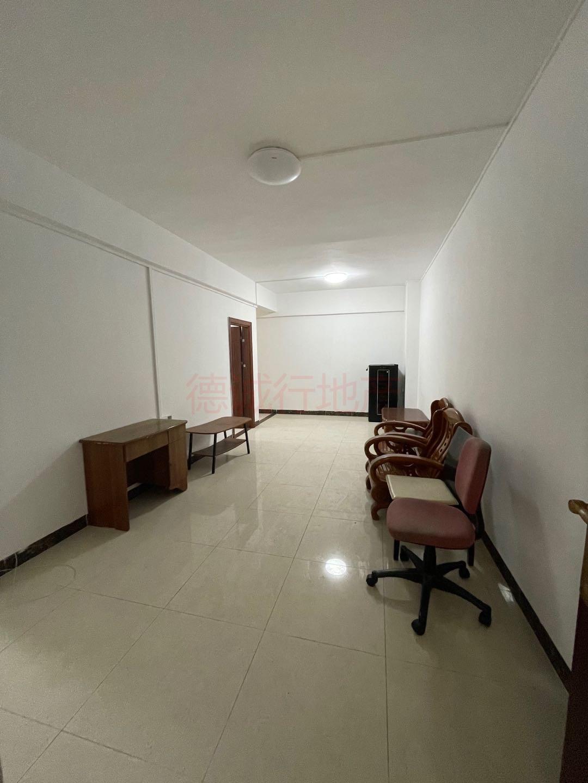 永泰西约3室1厅1卫