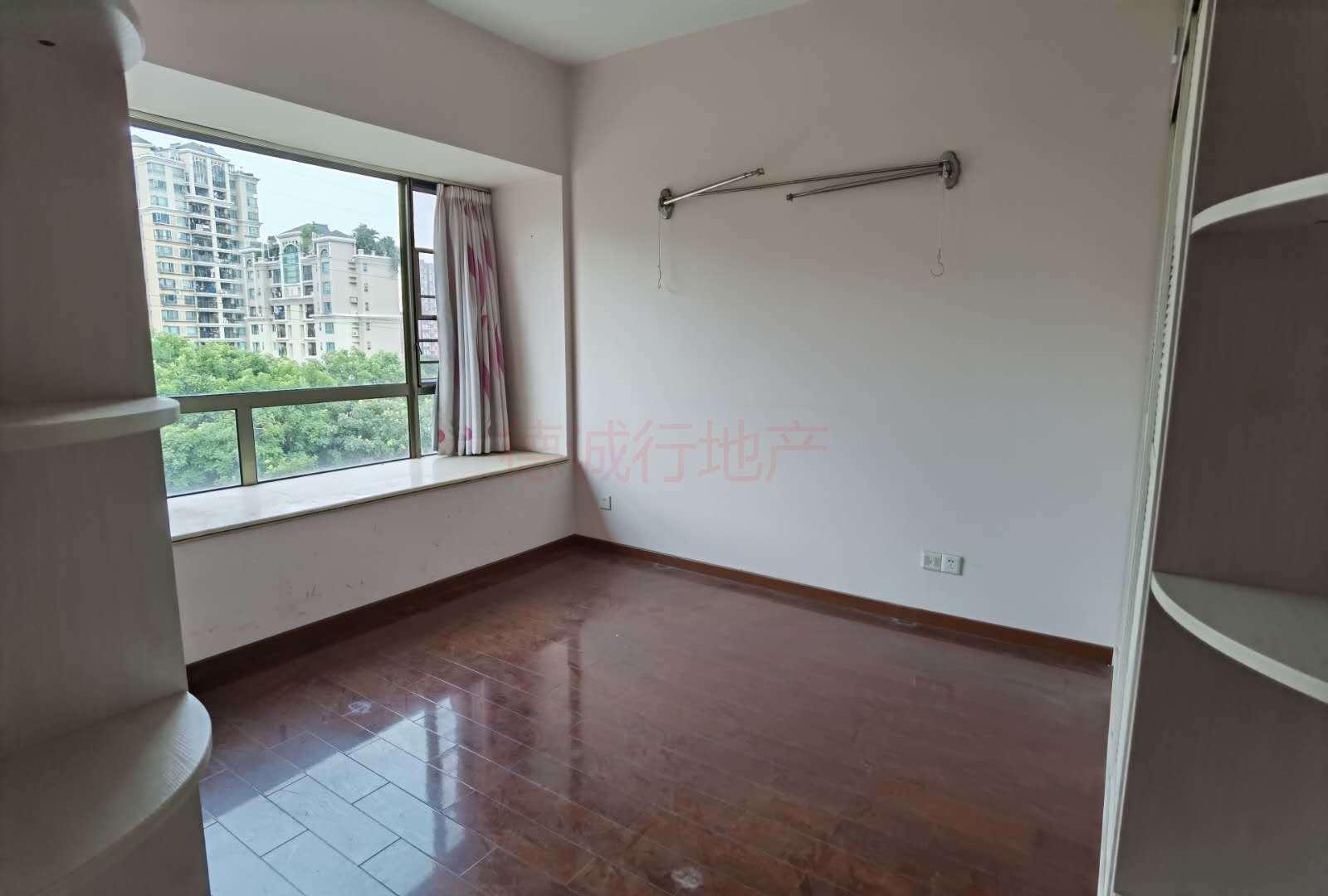 广州雅居乐花巷5室2厅3卫仅610万元