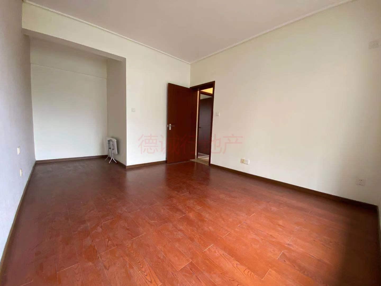 保利西海岸星海花园3室1厅1卫西北朝向仅360万元