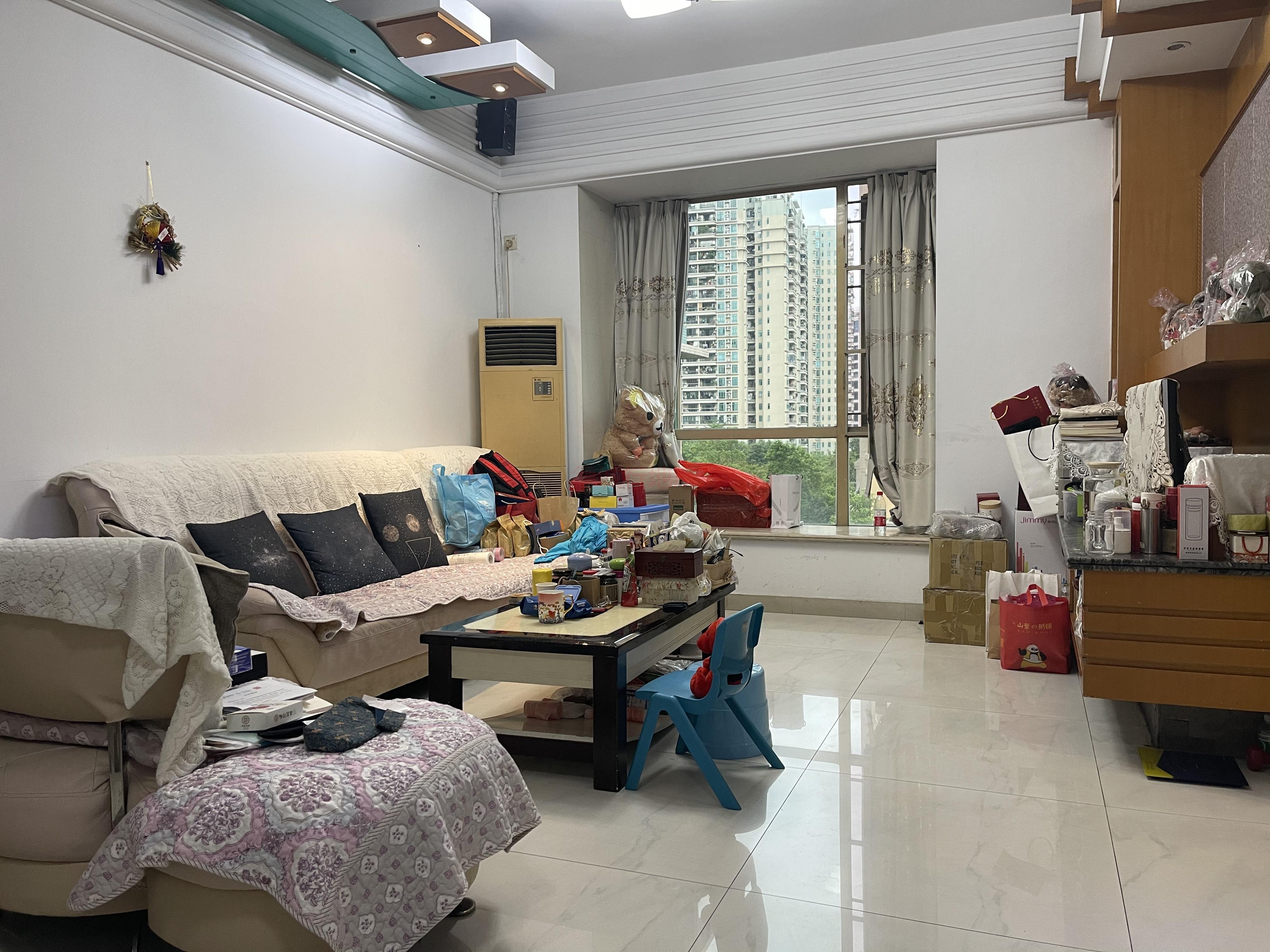珠江新城海滨花园 少有东南向安静2房放卖 过五看中可谈价